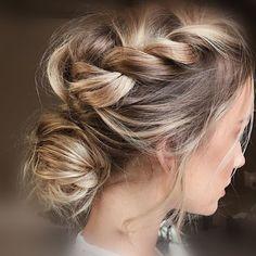 """128 """"Μου αρέσει!"""", 1 σχόλια - Anna Anemomilou (@anemomilou_anem) στο Instagram: """"Stylish and chic, this hairdo can match wonderfully with your romantic wedding dress!…"""""""