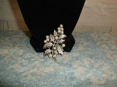 VTG. CROWN TRIFARI FAUX PEARL & SILVER TONE POINSETTIA/LEAVES/FLOWERBROOCH~ #CrownTrifari #PoinsettiaFlowerLeavesLarge