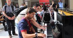 Incrível improvisação de duas pessoas em um piano >> http://www.tediado.com.br/12/incrivel-improvisacao-de-duas-pessoas-em-um-piano/