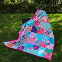 'Fit for a Princess!' Picnic Quilt ~ Fat Quarterly Tutorial