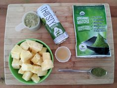 Nothing takes the edge off a sweltering summer afternoon like an icy cold tropical smoothie. Here's a super simple recipe for a delicious and healthy smoothie Pineapple Tea, Frozen Pineapple, Healthy Smoothies, Smoothie Recipes, Key Lime Juice, Organic Matcha, Recipe 30, Yummy Food, Yummy Recipes