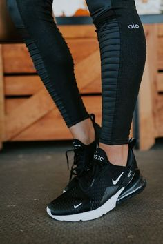 Fall Athleisure Staples - fall athleisure staples, nike air max fall activewear staples, activewear outfit, athleisure outfit // grace wainwright grace white A Southern Drawl Sneakers Mode, Sneakers Fashion, Sneakers Workout, Running Sneakers, Nike Workout Shoes, Black And White Sneakers, Running Trainers, Women's Sneakers, Black White