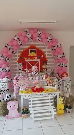 pink pigs and black/white cows Farm Animal Party, Farm Animal Birthday, Barnyard Party, Cowgirl Birthday, Pig Party, Farm Party, Cow Birthday Parties, Farm Birthday, Happy Birthday