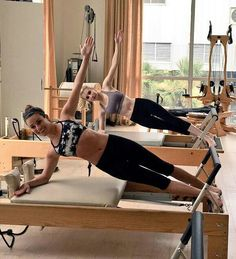When they're not filming for their upcoming TV show 'Scream Queens,' Lea Michele and Emma Roberts hit the Pilates studio together. If you're not familiar with the workout, keep reading to see how you can get toned like Lea and Emma. Pilates Reformer Exercises, Pilates Workout, Pilates Barre, Workout Gear, Lea Michele, Pilates Video, Buddy Workouts, Gym Workouts, Killer Body