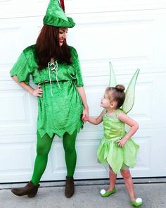 Pan & Tink...together forever ♥ Mommy and me costumes Peter Pan and Tinkerbell - #Costumes #mommy #Pan #Peter #Tinkerbell #Tinktogether