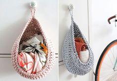 Sådan hækler du en praktisk og dekorativ hængekurv på under en time Crochet Bowl, Knit Crochet, Yarn Crafts, Diy And Crafts, Baby Knitting Patterns, Crochet Patterns, Crochet Garland, Boost Creativity, Finger Knitting
