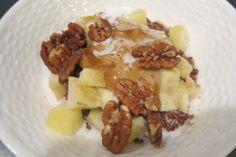 Quinua + apples + peanut butter