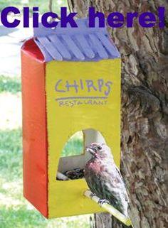 Vogelfutterhaus aus Milchpackung
