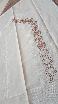 Cross Stitch Borders, Cross Stitch Alphabet, Cross Stitch Designs, Cross Stitching, Cross Stitch Embroidery, Hand Embroidery, Cross Stitch Patterns, Blackwork Patterns, Embroidery Patterns