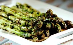 Steamed asparagus with brown butter sauce