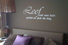 Zo is het maar mooi : ) - Moden Achrichten Wall Text, Happy New Home, Facebook Quotes, Teenage Room, Thinking Outside The Box, Beautiful Dream, Inspiration Wall, Wall Quotes, Bedroom Wall