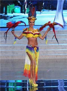 Desfile traje típico Miss Universo 2012: Miss Colombia