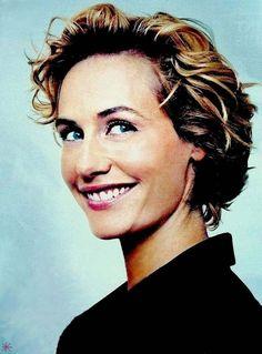 Cecile de France images - Google Search Belle Nana, Great Women, Bella, Parisian, Hair Ideas, Love Her, Short Hair Styles, Bob, Celebrity