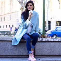 La blogger Atenas Hernández con sus #GioseppobyJuanVidal en rosa :)