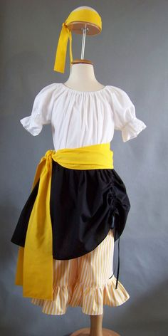 Girl Pirate - Yellow... Simple Enough, if I can find materials. Maybe in red or green...
