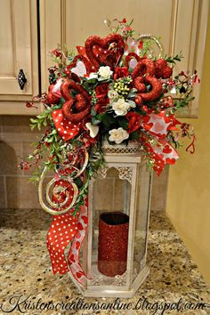 36 Best DIY Rustic Decoration Idea for Valentine Party Valentine's Day is no exception! Here are DIY rustic decoration idea for Valentine that will give you some inspiration to […] Valentine Day Table Decorations, Diy Valentine's Day Decorations, Valentine Day Wreaths, Valentine Day Crafts, Holiday Crafts, Happy Valentines Day, Valentine Party, Decor Ideas, Valentine Ideas