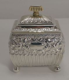 FINE QUALITY ANTIQUE ENGLISH STERLING SILVER TEA CADDY 1893