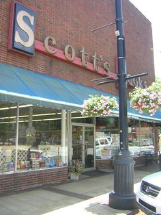 Scott's Bookstore, Newnan, Georgia.  Closed in 2012.