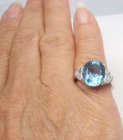 1STDIBS.COM Jewelry & Watches - TIFFANY & COMPANY - TIFFANY & CO. Aquamarine Half-Moon Diamond Platinum Ring - FORTROVE
