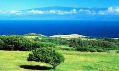 Hawi Hawaii looking to Maui