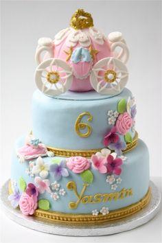 Pastel para cumpleaños inspirado en #Cinderella.