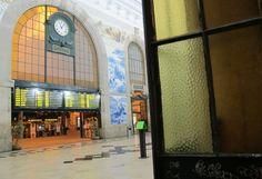 Portos malerischer Bahnhof heißt Willkommen. Foto: Doris San Francisco Ferry, Big Ben, Portugal, Travel, Porto, Viajes, Destinations, Traveling, Trips
