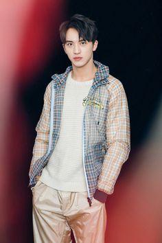 Hứa Ngụy Châu - 许魏洲 - Xǔ Wèizhōu - Timmy Xu Cute Asian Guys, Asian Boys, Asian Men, Xu Weizhou, I Do Love You, Drama, Tumblr Boys, Ulzzang Boy, Asian Actors