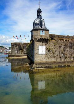 ✅ Beffroi de Concarneau (Finistère) http://www.pinterest.com/adisavoiaditrev/ #Finistère #Bretagne #Brittany