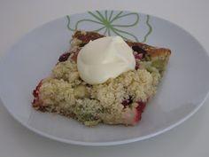 Sokeria, sokeria!: Raparperi-muru piirakka Finnish Recipes, Oatmeal, Food And Drink, Cakes, Baking, Breakfast, The Oatmeal, Morning Coffee, Mudpie