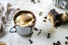 This cozy s'mores mocha recipe is the perfect way to start a winter morning. Made with S'mores flavored Moose Munch coffee, you might just need two! Mocha Recipe, Latte Recipe, Food Network Recipes, Cooking Recipes, Little's Coffee, Chocolate Marshmallows, Toasted Marshmallow, Graham Crackers, Holiday Recipes
