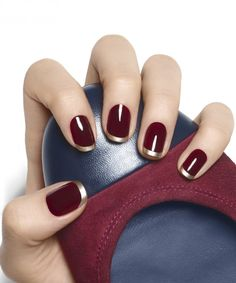 Top Trendy Burgundy Manicure Designs to Majestic Burgundy Nail Art Designs The best gallery Burgundy nails are a la mode for hundreds of years. whereas the red color may generally appear a small amount overused, burgundy still appearance r Burgundy Nail Designs, Burgundy Nail Art, Gold Nail Designs, French Manicure Designs, Winter Nail Designs, Short Nail Designs, Nails Design, Art Designs, Pedicure Designs