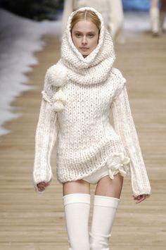 Karl Lagerfeld for Chanel - Fall/Winter 2006. Model: Inguna Butane