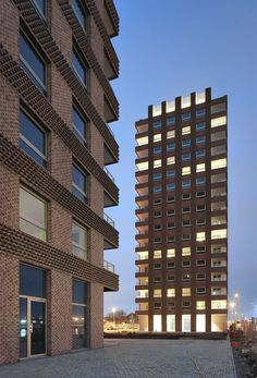 tony fretton architects . de architecten nv . + divisare    Westkaai Towers 5 and 6 already completed.