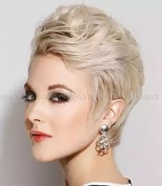 Beautiful Haircuts, 80s Hair, Pixie Cut, Ombre Hair, Most Beautiful, Short Hair Styles, Layers, Hair Cuts, Stones