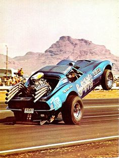 Fugitive - I am pretty sure this is at the old Beeline Strip.  That is Red Mtn behind the vette.  The tower is still standing but the track is long closed #Cars #Speed #HotRod