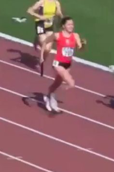 This Runner's Victory Across the Finish Line Will Be the Most Satisfying Thing You See Today