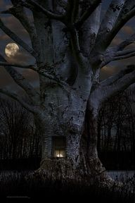 Haunted tree house with full moon.... Halloween spooky!