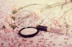 TesterKorea, la boutique en ligne à tester ! http://wheeeconfetti.wordpress.com/2013/05/14/testerkorea-la-boutique-en-ligne-a-tester/ Secret Beamer - Etude House Concealer - Holika Holika