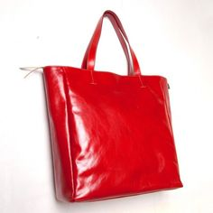 #BOLSO RED CHIC by By FRENCH TOUCHE - $158  Con un estilo vintage muy parisino recomendado para amantes de lo retro. De Paris a tu casa by French Touche.  RED CHIC #BAG by FRENCH TOUCHE - 158€ Very Parisian vintage style that will have you falling to the feet of ChicPlace. Especially recommended for lovers of all things retro. From Paris to your home by French Touche.  Follow us: https://www.facebook.com/ChicPlace.es