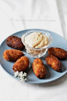 Filipino Chorizo Croquetas for Kulinarya Cooking Club — FSK Bread Appetizers, Recipes Appetizers And Snacks, Savory Snacks, Yummy Appetizers, Snack Recipes, Spanish Cuisine, Spanish Food, Cuban Recipes, Whole Food Recipes