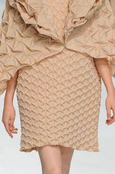 Issey Miyake at Paris Fashion Week Spring 2015 - Details Runway Photos Beige Style, Fabric Manipulation, Issey Miyake, Spring 2015, Color Trends, Paris Fashion, Couture, Knitting, Triangles