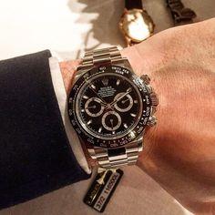 Fresh from Baselworld 2016 new black dial Rolex Daytona. The cerachrom bezel reeeaaally pops. I was very very smitten with this on first impressions @watchanish @rolex @aspreylondon #rolex #daytona #rolexdaytona #asprey #baselworld2016 #watchanish #longines #vintagelongines #audemarspiquet #breguet #fashion #gents #heuer #hodinkee #horology #menswear #mensfashion #patek #time #timepiece #vintagewatch #wotd #watch #watchgeek #watchporn #watchesofig #watchesofinstagram #wristwatch…