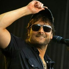 Eric Church, showing country rock n roll! Love his new ablum Outsiders, listen to him since middle school. He's hot but not marriage material haha.
