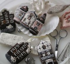 Art Textile, Textile Jewelry, Water Soluble Fabric, Embroidery Sampler, Little Stitch, Felt Brooch, Fabric Houses, Brooches Handmade, Felt Ornaments