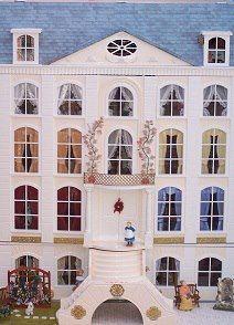 Pine Villa doll house - this would make a cute quilt.