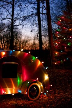 our tiny trailer taking some photos to feature it on our 2011 christmas card teardrop - Rv Christmas Decorations