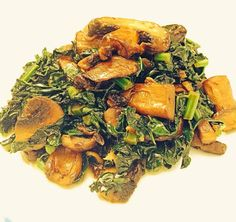Sautéed Kale with Mushrooms so delicious and easy! #lazygirldinners