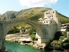 Stari Most, Vieux Pont, Mostar, Bosnie .The Old Bridge over the Neretva River in Mostar, Bosnia and Herzegovina