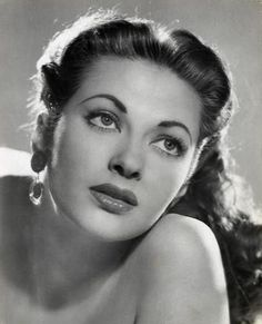 "One of the most popular pin ups of WW2 and better known as ""Lily Munster,"" Yvonne de Carlo. Description from pinterest.com. I searched for this on bing.com/images"