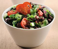 Cucumber And Black Bean Salsa Salad - Fresh cucumber, tomatoes, bell pepper and cilantro combined with black beans creates a terrific salad. Canola oil keeps saturated fat to a minimum. Healthy Eating Recipes, Healthy Foods To Eat, Vegetarian Recipes, Cooking Recipes, Yummy Recipes, Yummy Food, Brunch Menu, Brunch Party, Black Bean Salsa